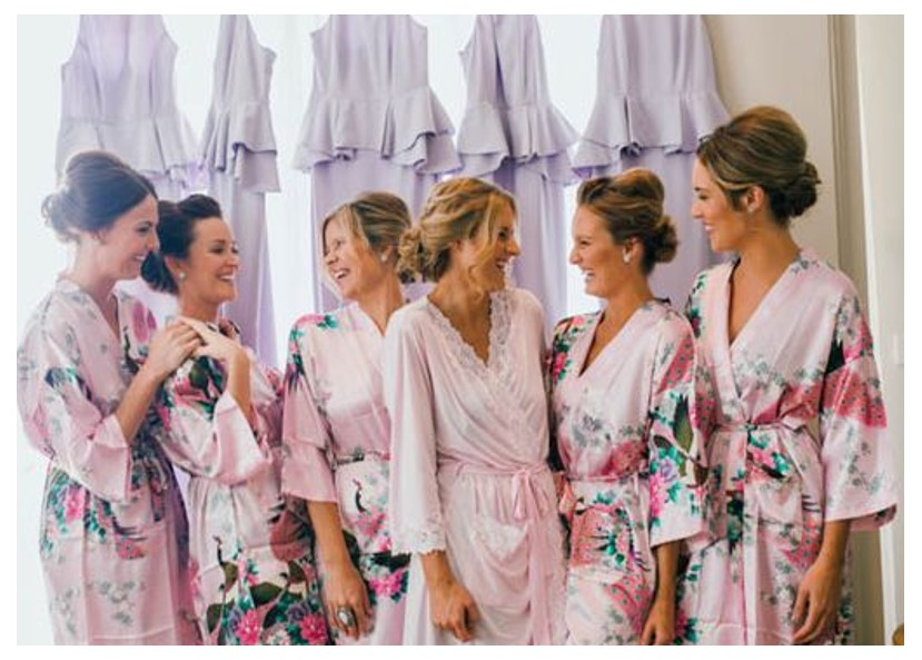 kimonos de damas de honor